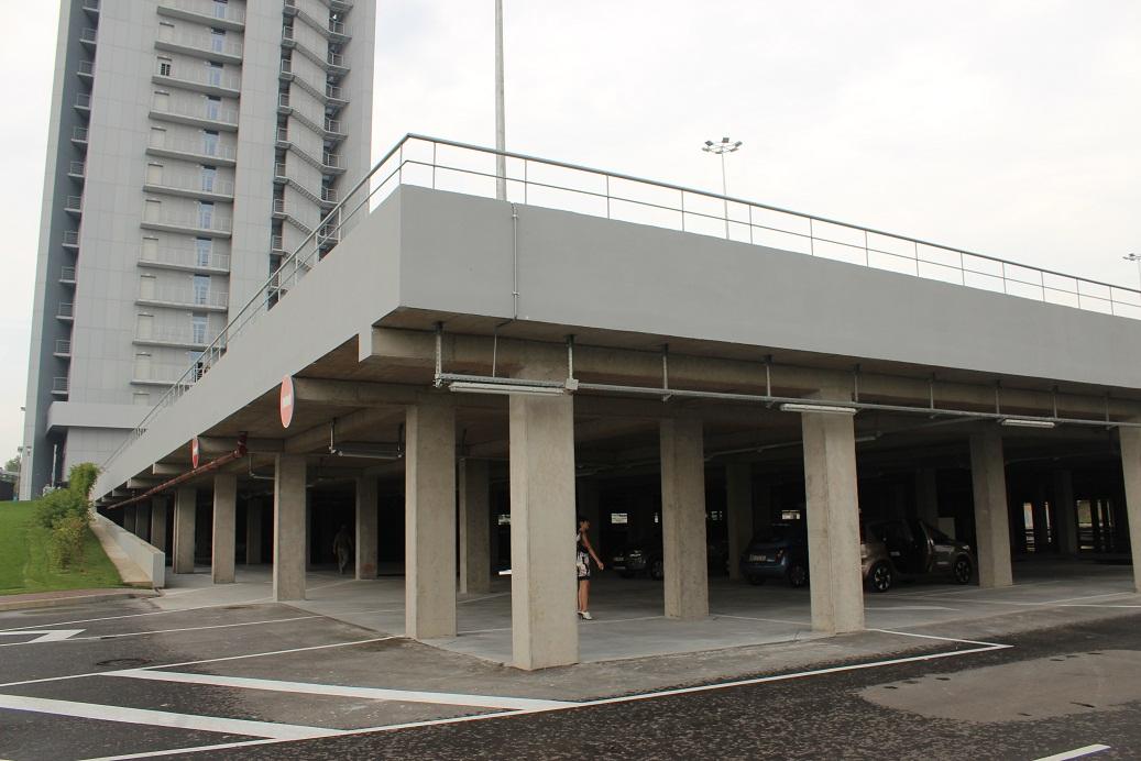 «Торгово-развлекательный центр с паркингом  в Голосеевском районе г. Киева»  - 66 000 м2.