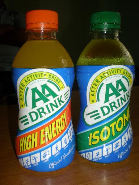 Энергетические напитки от спонсора команды попробовали и журналисты.