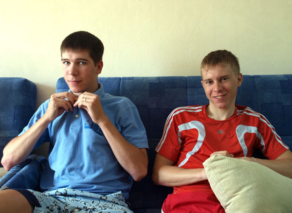 """Пилипенко и Карнулин: """"От компьютера отдыхаем""""."""