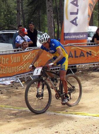 Александр Геращенко выиграл гонку в Венгрии. ISD MTB Team завоевала три места на подиуме