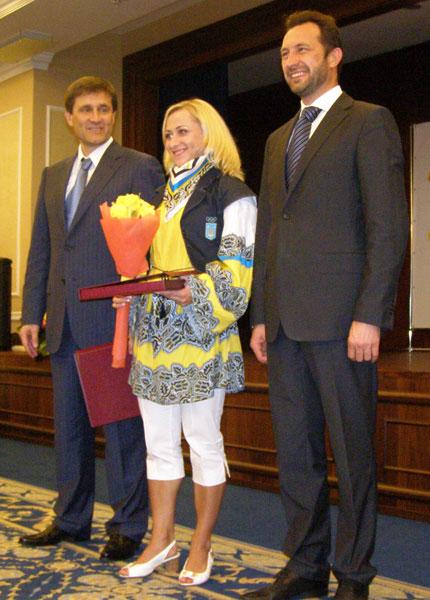 Героев Лондона из СК «ИСД» отметили в Донецке премиями, грамотами и благодарностями