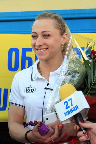 Юлия Калина прибывает в Донецк вместе с