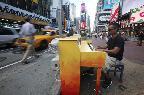 На улицах Нью-Йорка можно сыграть на пианино