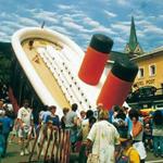 Надувная копия Титаника