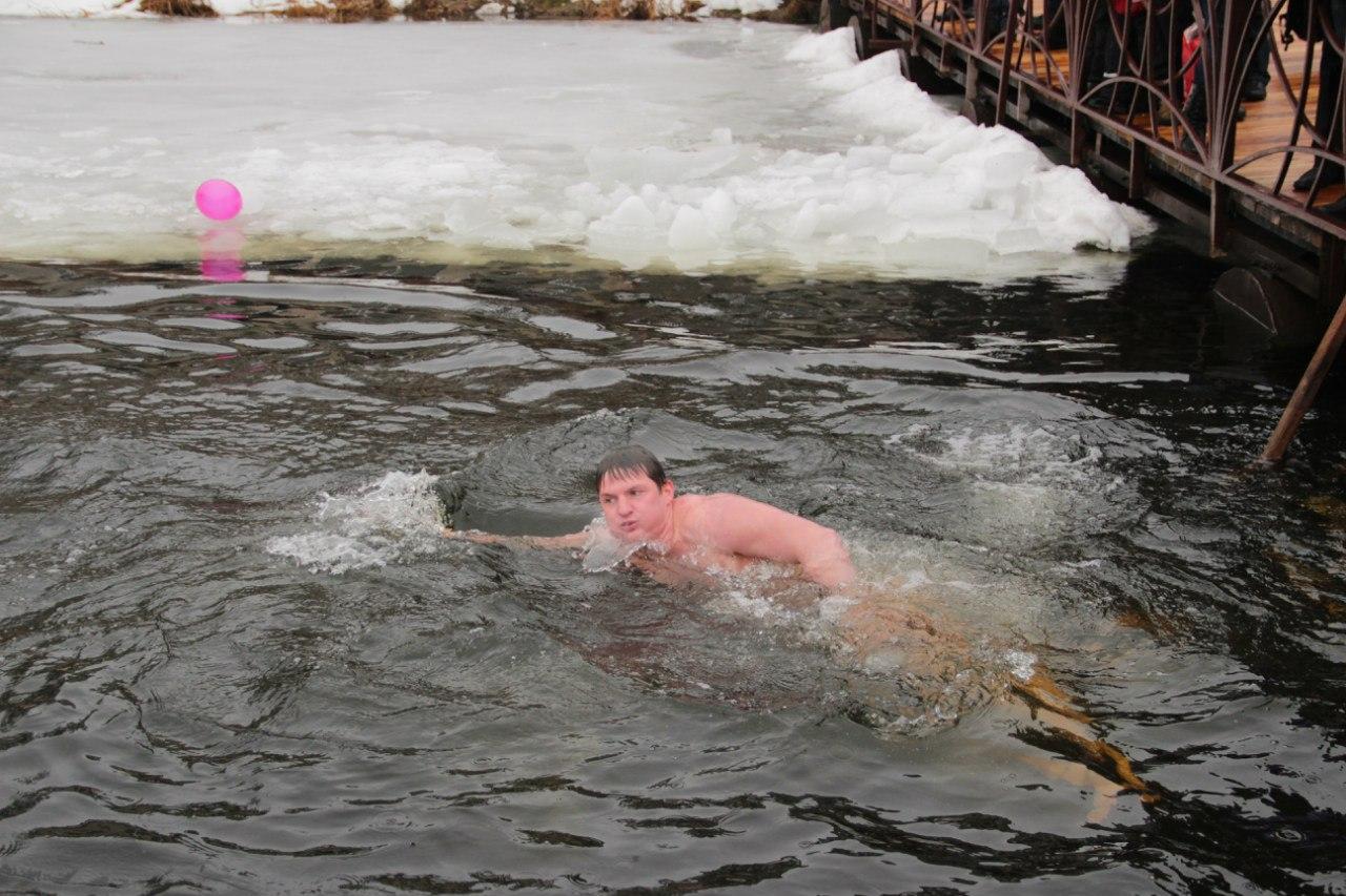 Соревнования по зимнему плаванию