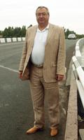 Поплатился за должность. Мэр Донецка уволил своего подчиненного за покупку шикарного автомобиля