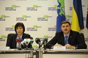 Наша задача - победа на парламентских выборах. Партия регионов: 2012 год будет достаточно хорошим вознаграждением за терпение всех украинцев и за ту работу, которую они продемонстрировали в 2011 году