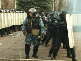 Милиция «пожурила» хулиганов дубинками