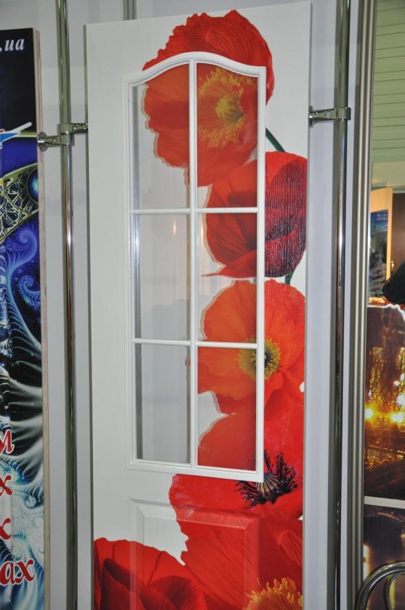 Декорирование стекла двери своими руками